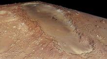 火星奥尔库斯陨坑长约380公里,宽约140公里